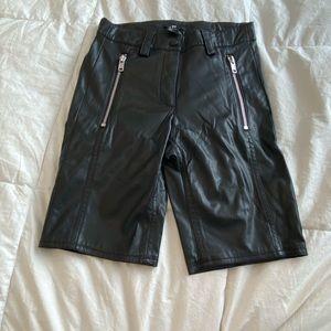 Faux leather biker shorts sz. 2